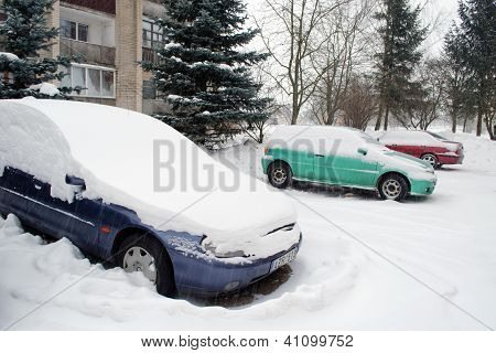 Blizzard Snow Car Block Flat House Outdoor Parking