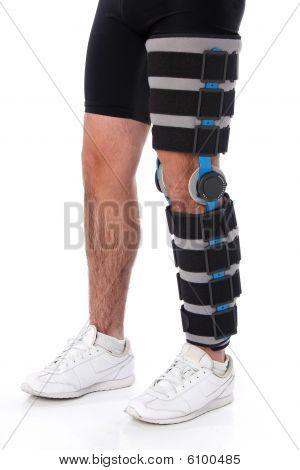 Man wearing a leg brace