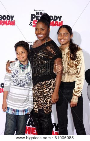 LOS ANGELES - MAR 5:  Kaleb Jackson, Shar Jackson, Kori Jackson at the