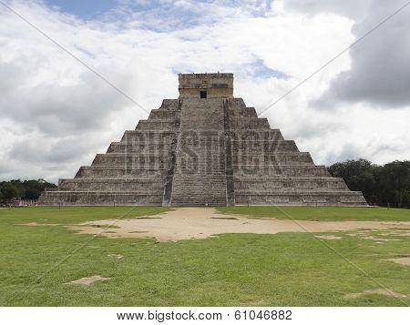 El Castillo In Chichen Itza