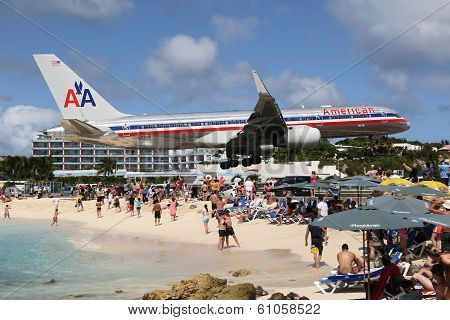 American Airlines Boeing 757-200 Landing St. Martin