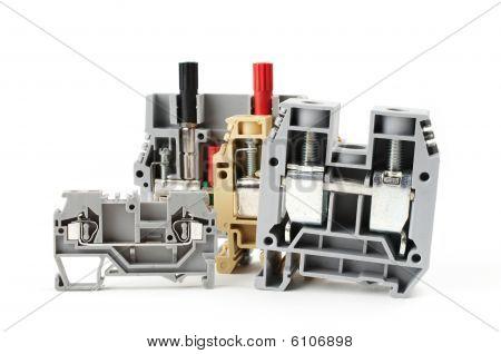 Industrial terminal blocks