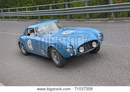 Vintage Racing Car Ferrari 250 Gt