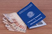 picture of brazilian money  - Brazilian work document and social security document  - JPG