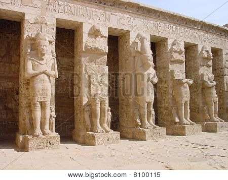 Egyptian statues and temples