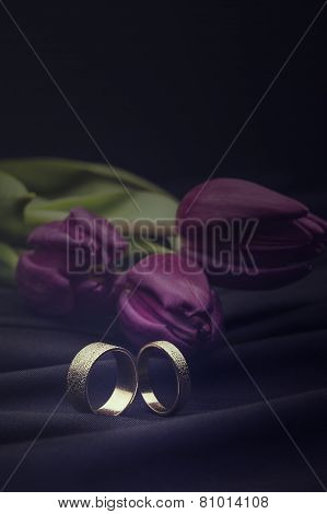 White Gold Wedding Rings With A Floral Bouquet