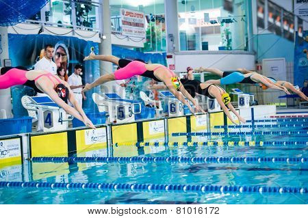 Milan - December  23:  L Bersanetti   (italy Block Number 4 And Yellow Cap)  Starting  In  Swimming