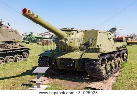 Soviet Self-propelled Artillery Gun Isu-152