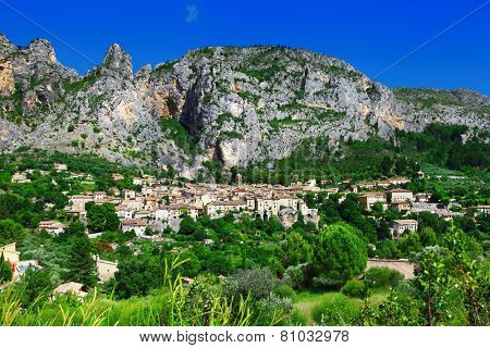 Moustiers Sainte Marie -beautifl mountain village in France