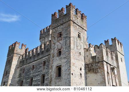 Castello Scaligero di Sirmione (Sirmione Castle), built in XIV century, Lake Garda, Sirmione, Italy