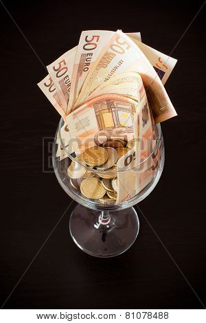 Glasswine Of Money