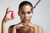 picture of face-powder  - Highlighting and shading area showing contour corrective face shape - JPG