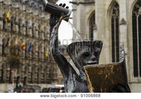 Statue in Leuven