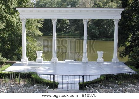Ampitheatre Arch