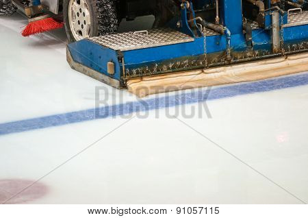 The Machine For Resurfacing Ice In Stadium