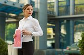 pic of shiting  - Stylish business woman in the city street - JPG