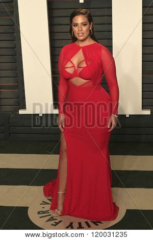BEVERLY HILLS - FEB 28: Ashley Graham at the 2016 Vanity Fair Oscar Party on February 28, 2016 in Beverly Hills, California