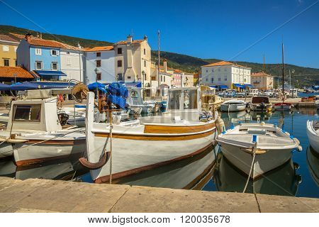Boats Cres