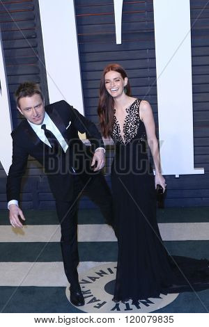 BEVERLY HILLS - FEB 28: Chris Hardwick, Lydia Hearst at the 2016 Vanity Fair Oscar Party on February 28, 2016 in Beverly Hills, California