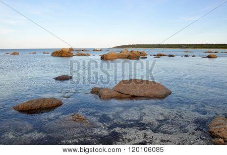 Bunker Bay Beach: Reef and Rock