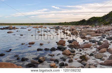 Bunker Bay: Rocky Waters