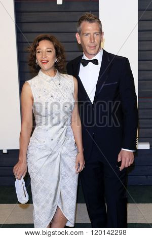 LOS ANGELES - FEB 28:  Emma Forrest, Ben Mendelsohn at the 2016 Vanity Fair Oscar Party at the Wallis Annenberg Center for the Performing Arts on February 28, 2016 in Beverly Hills, CA