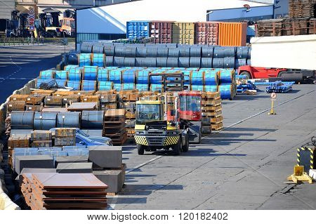 Steel Metal Sheet And Roll In Port