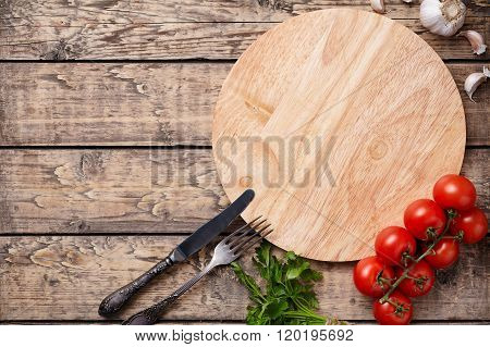 Pizza cutting board template with empty space for advertising design