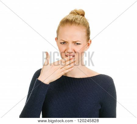 woman shows sign asphyxiation