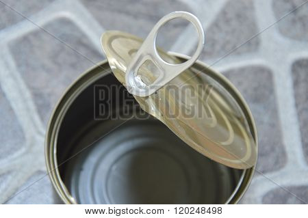 opener of empty tin food can