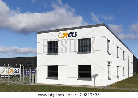 GLS logistic center and office