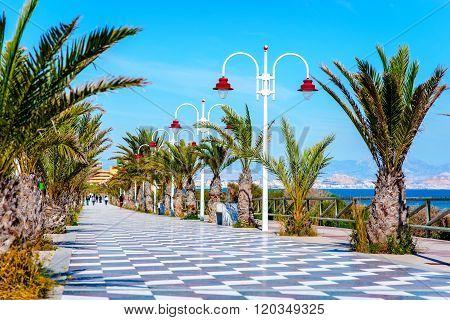 Los Arenales Del Sol Promenade