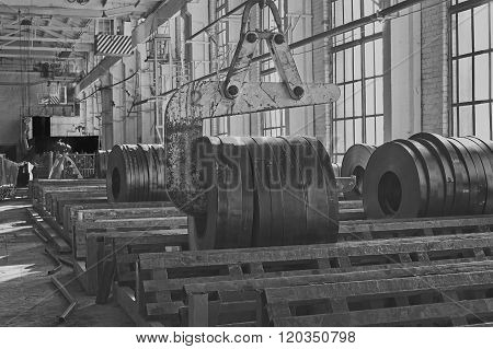 Hot Rolled Strip Steel Products And Crane