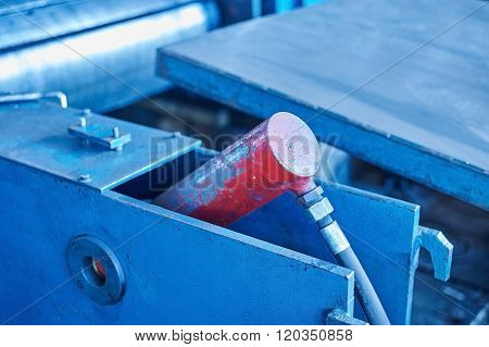 Pneumatic Equipment On Conveyor Mill
