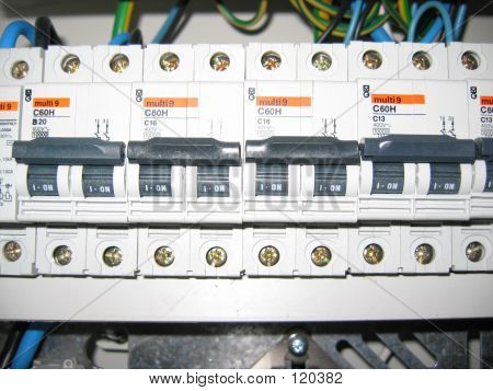 Automatic Fuses