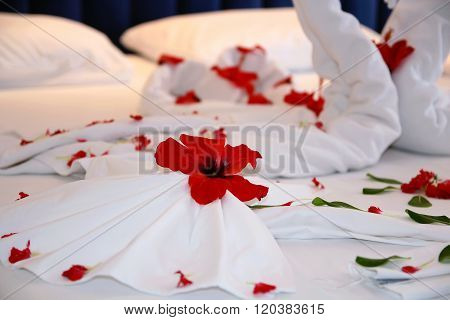 Honeymoon Bed Flower Decoration