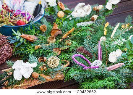 Advent Arrangement, Tinker Grave Arrangement