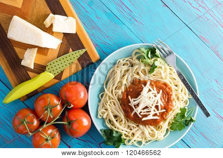 Delicious Spaghetti Dinner And Tomatoes