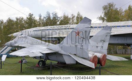 Mig-29-multipurpose Fighter(1977).max.speed,km/h-2450