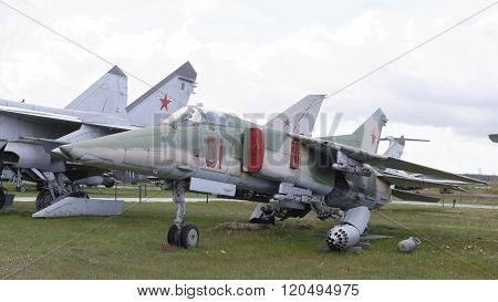 Mig-27- Fighter-bomber (1973).max.speed,km/h-1810  (snowing)