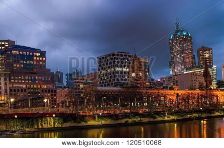 melbourne city and yarra river at the night