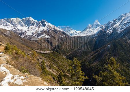 Scenery in the Himalayas on the way to Everest Base Camp In Nepal