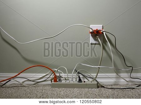Electrical Outlet Overloaded With Wires