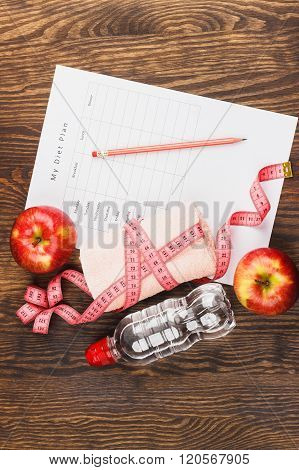 Diet Plan, Apples And Towel, Wooden Background