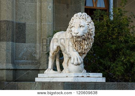 Sstatue Of A Lion In The Vorontsov Palace Park