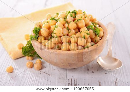 chickpea in bowl