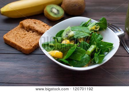 Salad With Spinach And Oranges And Smoothies