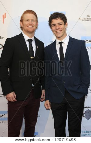 MALIBU - MAR 5: Brad Fite, Oliver Peake at the Children International Charity's 'Share The Love Around The World' Fundraiser at Rocky Oaks Malibu on March 5, 2016 in Malibu, California