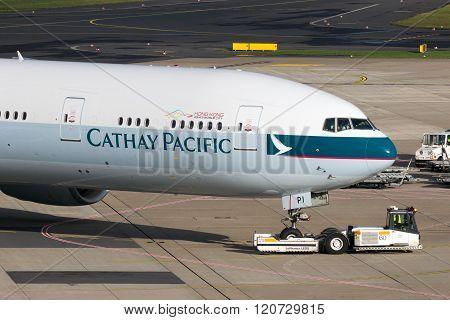 B-kpi Cathay Pacific Boeing 777-367(er)
