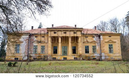 Odvos Abandoned Mansion